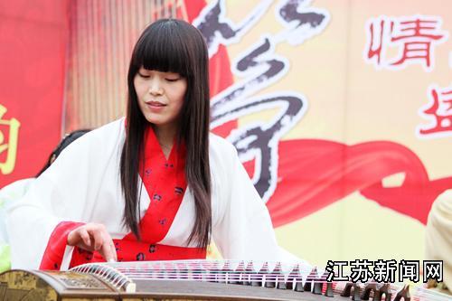 南京大学生着汉服奏古筝古琴(多图)图片
