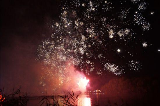 常熟苏州游客晚璀璨欢呼引烟花尽绽放电影文明戏图片