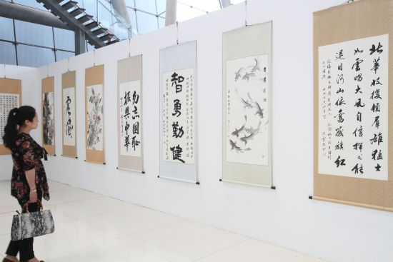 200多位军地名人名家书画在南京开展